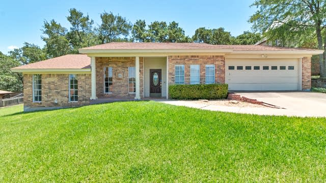 Photo 1 of 22 - 8308 Elm Ct, North Richland Hills, TX 76182
