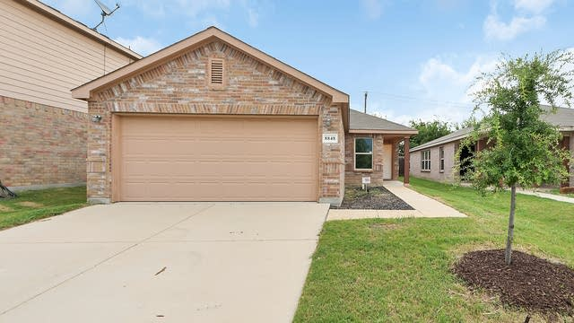 Photo 1 of 22 - 8848 Sun Haven Way, Fort Worth, TX 76244