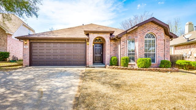 Photo 1 of 26 - 1013 Mill Spring Dr, Garland, TX 75040
