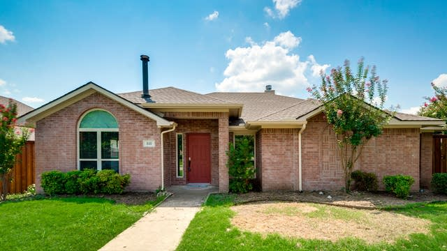 Photo 1 of 32 - 818 Forest Edge Ln, Wylie, TX 75098
