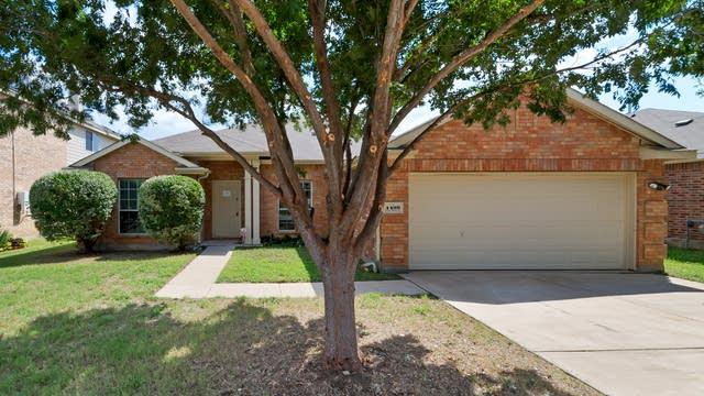 Photo 1 of 26 - 4409 Corner Brook Ln, Fort Worth, TX 76123
