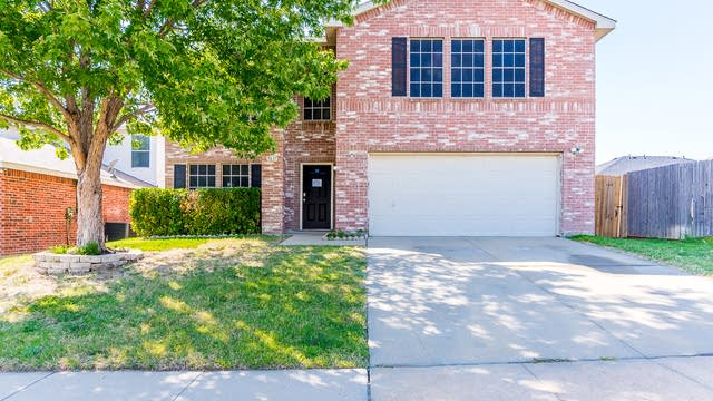 Photo 1 of 37 - 5637 Ainsdale Dr, Fort Worth, TX 76135