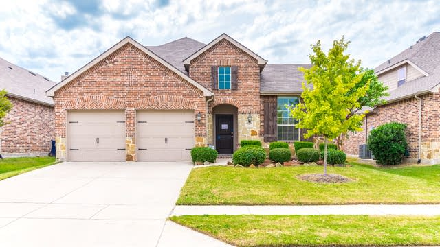 Photo 1 of 31 - 1500 Cedarbird Dr, Little Elm, TX 75068
