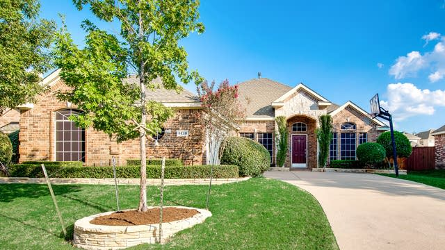 Photo 1 of 30 - 8410 Lighthouse Dr, Rowlett, TX 75089
