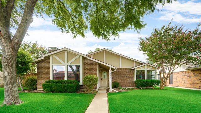 Photo 1 of 27 - 4213 Wheelwright Dr, Garland, TX 75044