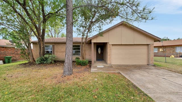 Photo 1 of 22 - 7208 Winchester Rd, North Richland Hills, TX 76182