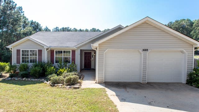 Photo 1 of 26 - 1689 Bullock Dr, Loganville, GA 30052