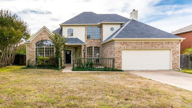 Photo 1 of 29 - 4816 Timberview Ct, Lewisville, TX 75028
