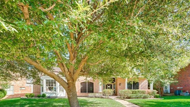 Photo 1 of 36 - 3612 Bent Ridge Dr, Plano, TX 75074