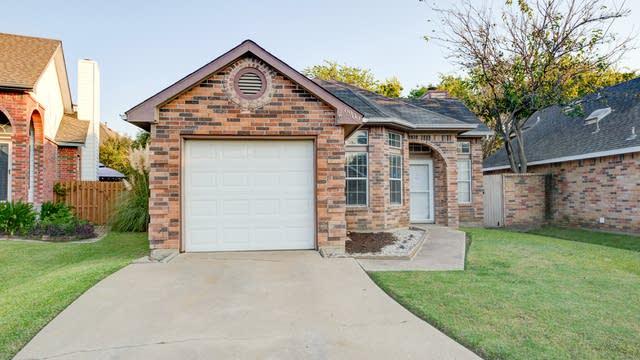 Photo 1 of 24 - 6909 Driffield Cir, North Richland Hills, TX 76182