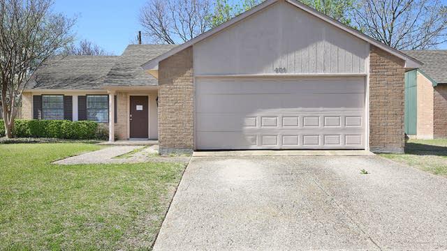 Photo 1 of 26 - 401 Carl C Senter St, Forney, TX 75126