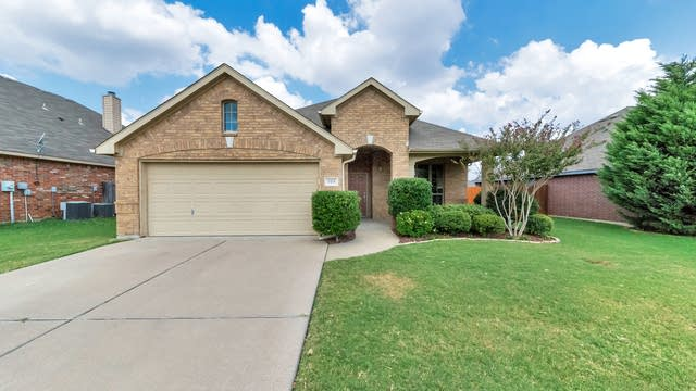 Photo 1 of 26 - 918 Remington Ranch Rd, Mansfield, TX 76063