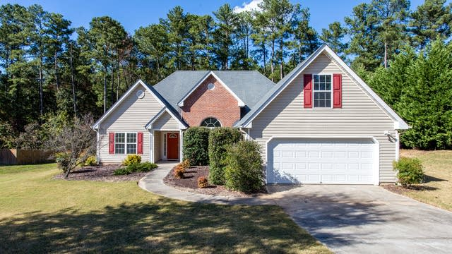Photo 1 of 28 - 832 Winding Grove Ln, Loganville, GA 30052