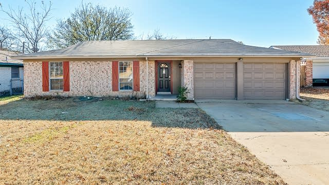 Photo 1 of 27 - 2709 Trinity Valley Ct, Fort Worth, TX 76133