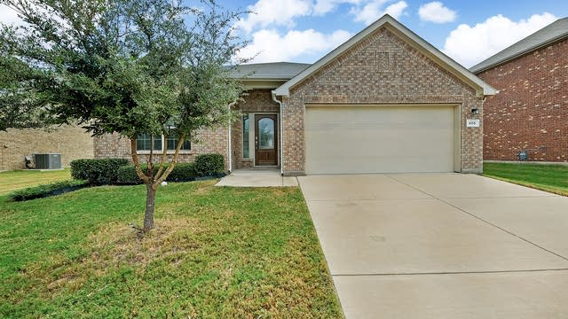 Photo 1 of 26 - 605 Swift Current Dr, Crowley, TX 76036