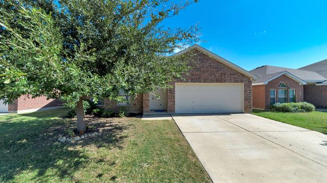 Photo 1 of 16 - 8836 Chaps Ave, Fort Worth, TX 76244