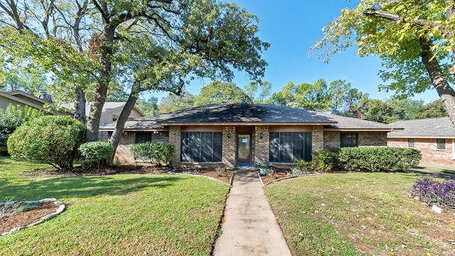 Photo 1 of 29 - 2630 Sunlight Dr, Arlington, TX 76006