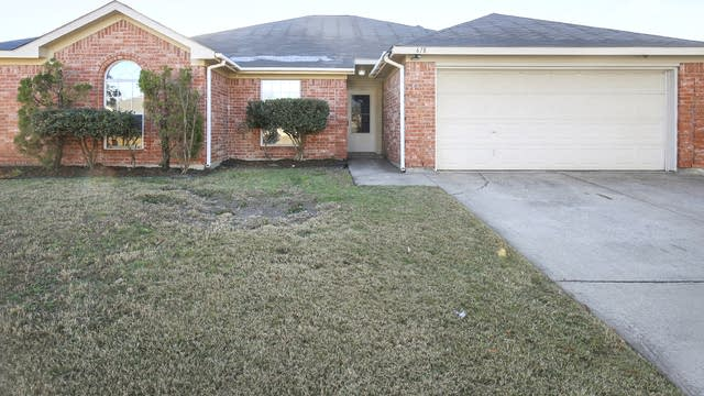 Photo 1 of 34 - 618 Coal Creek Dr, Mansfield, TX 76063