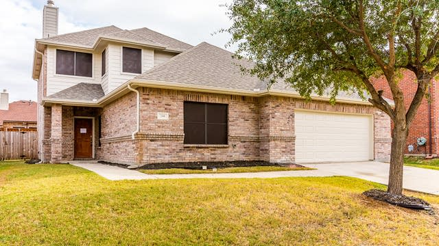 Photo 1 of 34 - 240 Northwood Dr, Little Elm, TX 75068