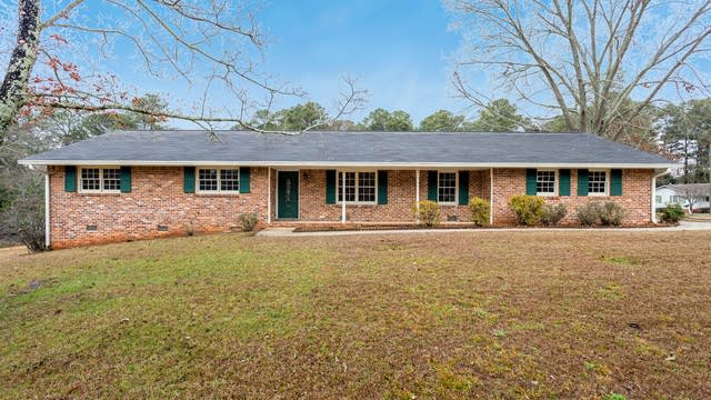 Photo 1 of 30 - 5475 Chanterella Ct SW, Lilburn, GA 30047