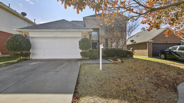 Photo 1 of 30 - 4648 Park Bend Dr, Fort Worth, TX 76137