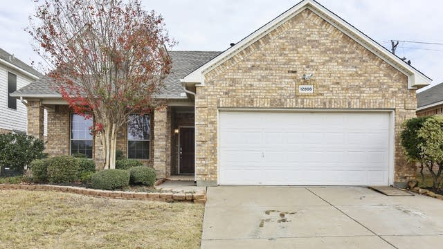 Photo 1 of 26 - 12808 Dorset Dr, Fort Worth, TX 76244