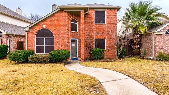 Photo 1 of 25 - 545 Timber Way Dr, Lewisville, TX 75067