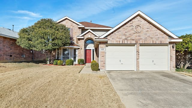 Photo 1 of 26 - 908 Rustic Dr, Fort Worth, TX 76179