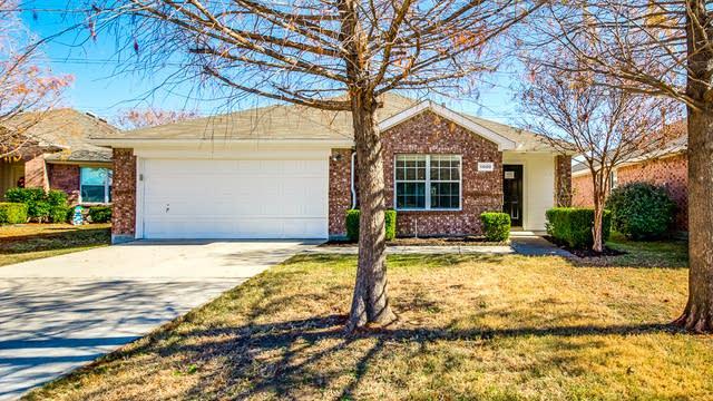 Photo 1 of 28 - 11600 Lauren Way, Fort Worth, TX 76244