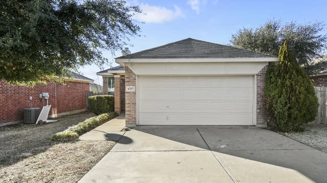 Photo 1 of 25 - 6337 Downeast Dr, Fort Worth, TX 76179