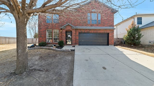 Photo 1 of 35 - 2840 Morning Star Dr, Fort Worth, TX 76131