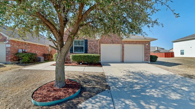 Photo 1 of 26 - 13209 Ragged Spur Ct, Haslet, TX 76052