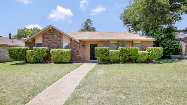 Photo 1 of 25 - 7422 Cloverglen Dr, Dallas, TX 75249