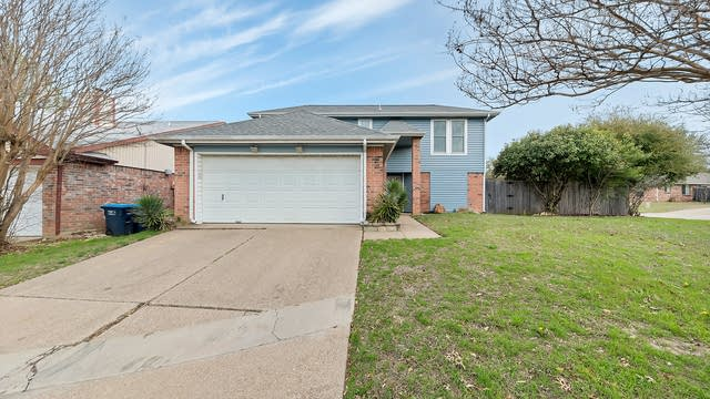 Photo 1 of 24 - 4857 Woodstock Dr, Fort Worth, TX 76137