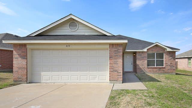 Photo 1 of 26 - 819 Dove Meadows Dr, Arlington, TX 76002