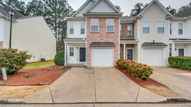 Photo 1 of 26 - 2953 Greyhawk Ln, Cumming, GA 30040