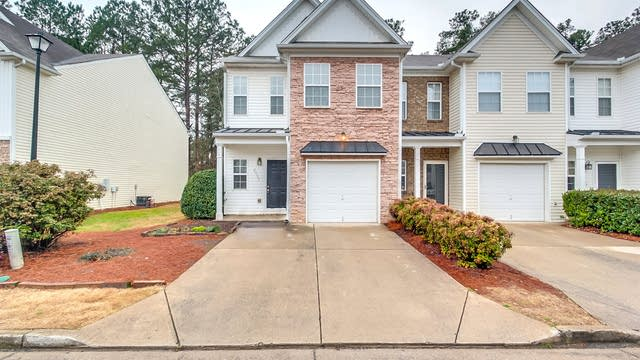Photo 1 of 27 - 2953 Greyhawk Ln, Cumming, GA 30040