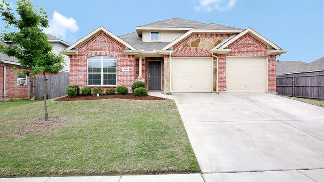Photo 1 of 26 - 4021 Winter Springs Dr, Fort Worth, TX 76123