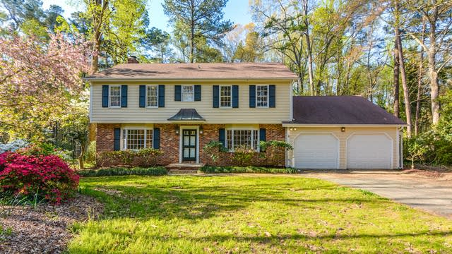 Photo 1 of 24 - 104 Chatterson Dr, Raleigh, NC 27615