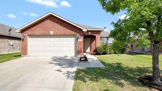 Photo 1 of 26 - 5808 Mirror Ridge Dr, Fort Worth, TX 76179
