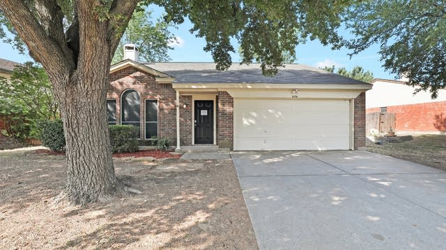 Photo 1 of 25 - 606 Myrtle Dr, Arlington, TX 76018