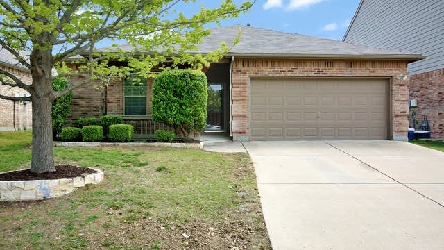Photo 1 of 25 - 8928 Silent Brook Ln, Fort Worth, TX 76244