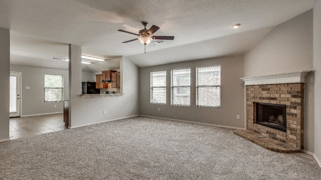 Photo 1 of 24 - 409 Twin Knoll Dr, McKinney, TX 75071