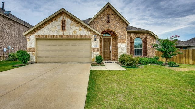 Photo 1 of 31 - 2217 Benjamin Creek Dr, Little Elm, TX 75068
