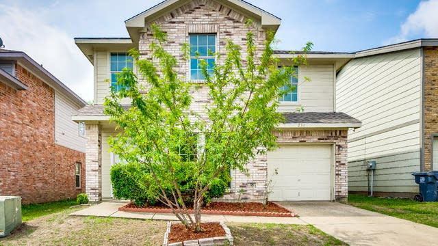 Photo 1 of 27 - 231 Cliff Heights Cir, Dallas, TX 75241