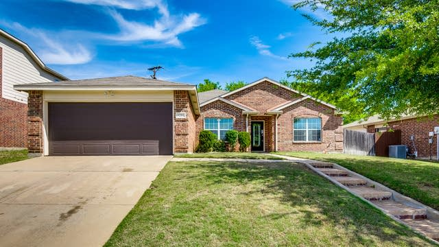 Photo 1 of 27 - 9204 Wellington Dr, Little Elm, TX 75068
