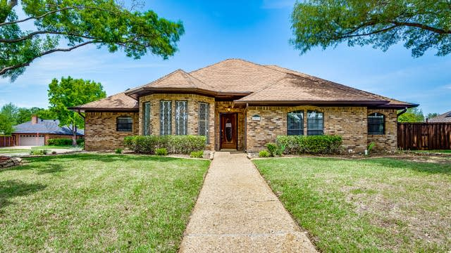 Photo 1 of 32 - 3933 Camino Dr, Plano, TX 75074