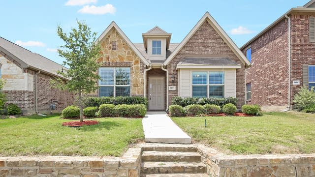 Photo 1 of 26 - 5857 Burgundy Rose Dr, Fort Worth, TX 76123