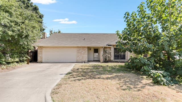 Photo 1 of 33 - 4113 River Birch Rd, Fort Worth, TX 76137