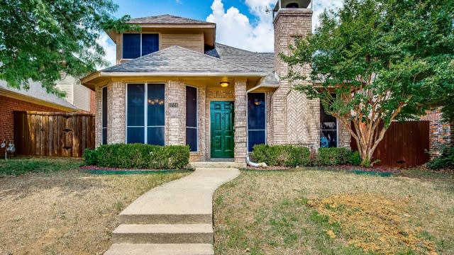 Photo 1 of 28 - 1724 Creekbend Dr, Lewisville, TX 75067